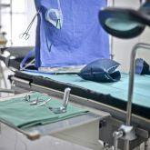 Ferienwohnung-KlinikWelt-Untersuchungsraum-OP-Besteck
