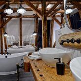 der-gutshof-neuewelt-offenes-badezimmer