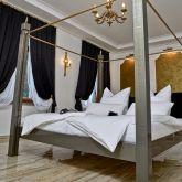 romantische-Ferienwohnung-Schlafgemach-Fesselbett